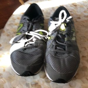 Used Women's New Balance Sneakers